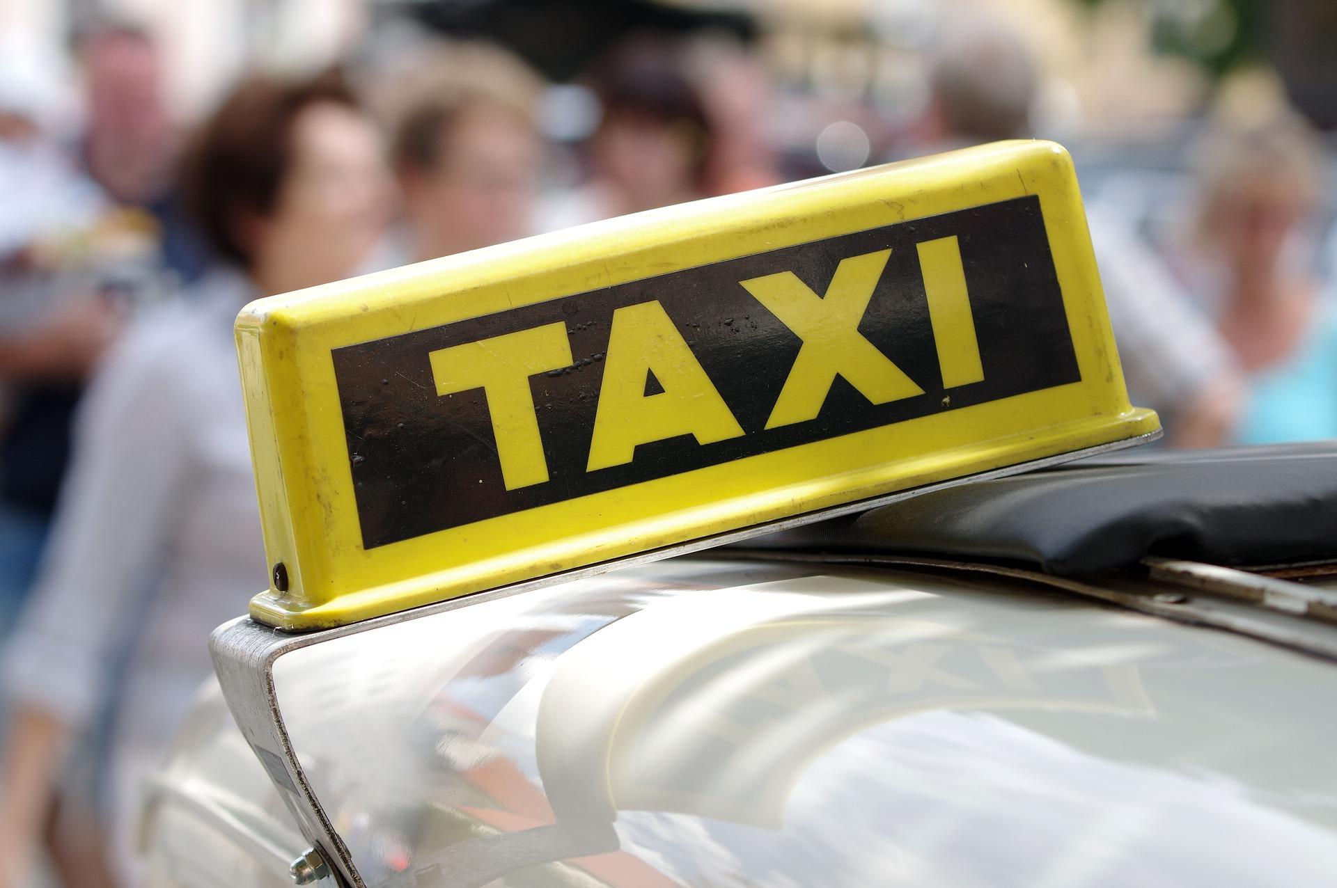 Bestel een taxi(busje)