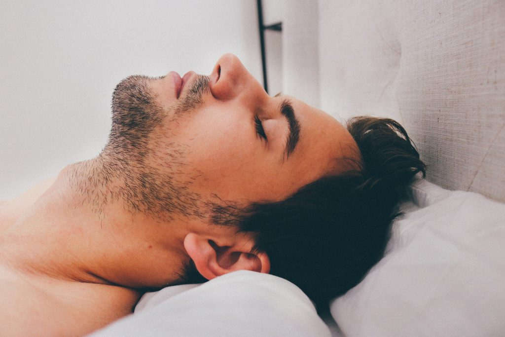 vermoeid wakker worden