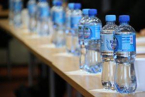 Plastic flesjes hergebruiken